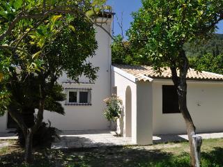 Orange Grove Villas & Suites, Less Mobile Studio