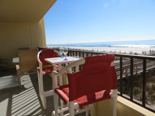 Gulf Front Surf Dweller #207 2B/2B -32ft Balcony !, Fort Walton Beach