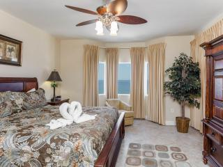 Huge 2 Bedroom - 5th Floor + Beach Service!, Panama City Beach