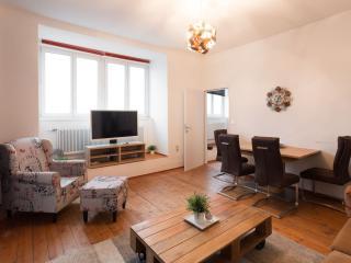 Trendy 65 apartment in 15. Rudolfsheim-Fünfhaus with WiFi & lift., Viena