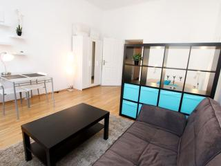 Urban 32 apartment in 09. Alsergrund with WiFi., Viena