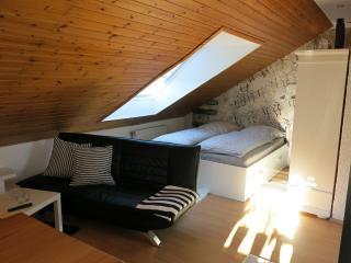 Ruhige und sonnige Dachwohnung, Múnich