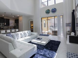 Sleek and Modern 5 Bedroom Home With Pool and Spa, Davenport