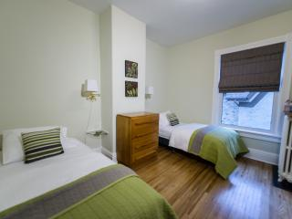 Colborne B&B Cassidy Rm (2 Twin Beds), Goderich
