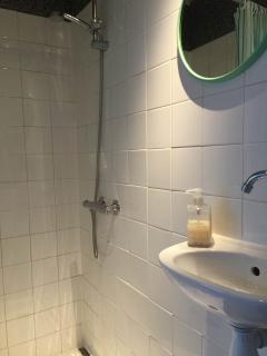 Houseboat Avontuur - bathroom