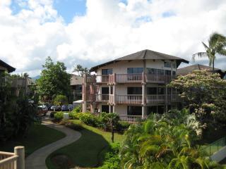 Luxury condo on Makai Golf Course, Princeville