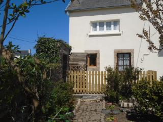 Cosy 2bed gite, Coastal walks, beaches, & more..., Plougasnou