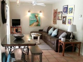 New Listing! Beautiful 2BR King Beds, Truman Annex, Key West