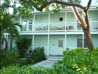 Jan 20-27, Feb 3-10 OPEN: Beautiful, Large condo 2BR/King Beds, Truman Anx, Pool