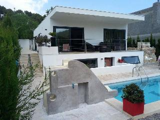 Modern Bungalow with private pool, Cala Llonga