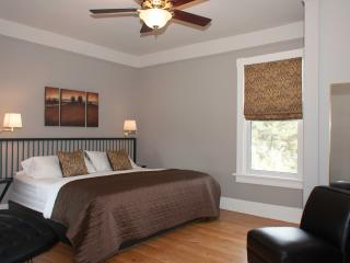 Colborne B&B Anderson (King) Suite, Goderich