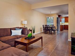 Luxury Condo Located in Ventana Canyon!, Tucson