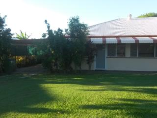 Central Cottage Ideal Location, Townsville