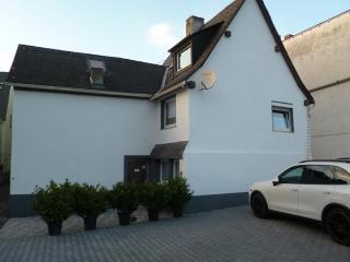 Vacation Apartment in Koblenz - 17954 sqft, spacious, parking and satellite TV available (# 1481), Coblenza