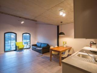 Vacation Apartment in Brandenburg an der Havel - 657 sqft, central, modern, spacious (# 9656)