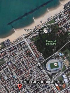 11 posti letto grande appartamento ristrutturato, Pescara