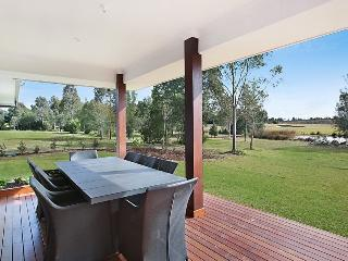 1OAK - Luxury Hunter Valley Home with spa