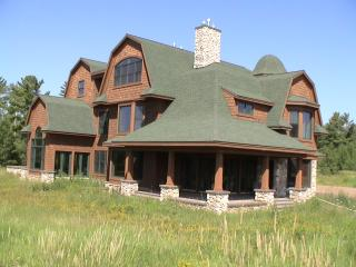 Fitzgerald Manor, Two Harbors