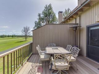 Spacious golf getaway, w course access, private hot tub, & shared pool!