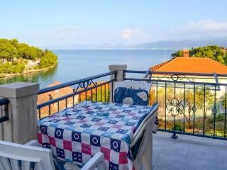 TH01518 Apartments Marinko / One bedroom A1, Splitska