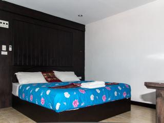 patong bay guesthouse double deluxe room