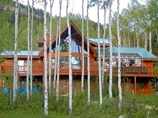 Beautiful mountain retreat...golf, fish, hike