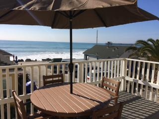 Steps to the Sand, Awesome Ocean Front - DECK !!!, Oceanside