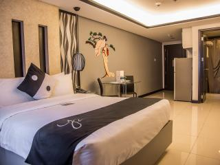 Y2 Residence Hotel-Studio