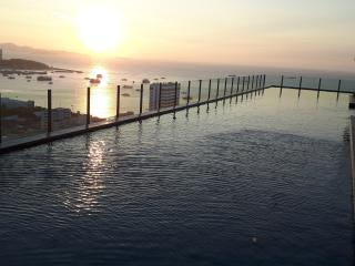 The Base - 23rd Floor - 35sqm - Seaview - 1 BR, Pattaya