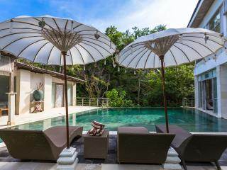 9BR CASAVIVA SUNSET ESTATE SLEEPS 21 STARTS US$649, Jimbaran