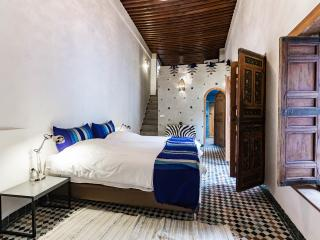 Dar 7 Louyat - XVth c. riad - a haven of peace, Fes