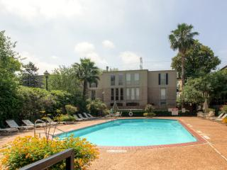 $1,999 Monthly Special - Perfect For Corporate Housing 'City Escape' Centrally Located 1BR Houston Condo w/Wifi & Pool Access – Just 4 Minutes from the Galleria! Near Downtown & the Houston Medical Center!