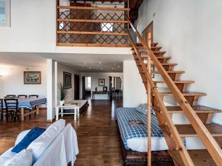 Beautiful Large Apartment Bellavista