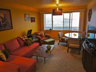 Shrimp Daddy - Retro themed Condo. Feel the funk!, Lincoln City
