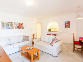 Spacious Apartment 50 Metres From Beach