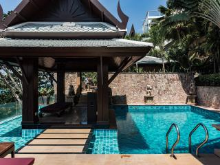 Baan Lom Talay, Luxury oceanfront villa