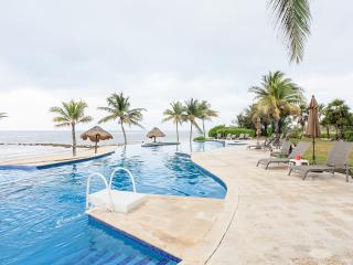 Villa -  Beach front 3 bd. 3 ba, formal dining, 2400 sq.ft. of luxury  - Wow!!!., Puerto Morelos