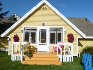 Beautiful Waterfront 3-bedroom Beachhouse, Stanley Bridge