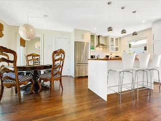 Beautiful Family House - AIR Conditioning, Walk to Beach, Shops & Restaurants, Corona del Mar
