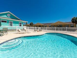 Cheery Condo in Port Aransas – Sleeps 6