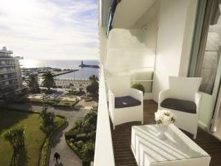 Seaview's with Tranquility NEW LISTING, Nice