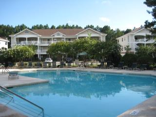 Barefoot Villa: Family, Pet Friendly, Golf, Beach, North Myrtle Beach