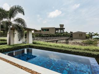 Phuket Villa overlooking Surin Bay