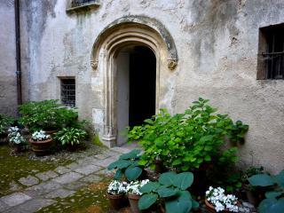 Château d'Esparron - 18th Cent Flat room Perle