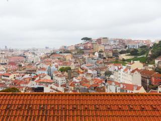 Historical borough, garden and view, Lisboa
