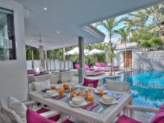 Luxueuse Tropical Villa, Piscine Privée, 3 Suites, Services VIP 5*