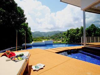 The Coolwater, 4 Bedroom Villa with Private Pool and Mountain View