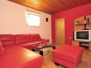 House Dicmo, Dugopolje