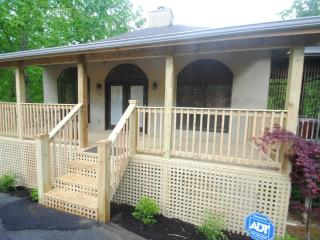 2 B/R chalet near Dollywood, Gatlinburg
