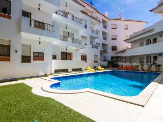 Albufeira Center 3 min walk to Fisherman's Beach + Pool+ Wi-fi